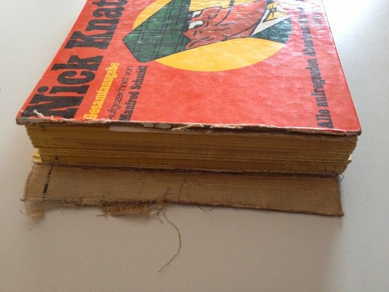 Zerstörter Buchrücken
