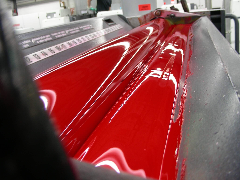 Druckerwalzen mit roter Farbe